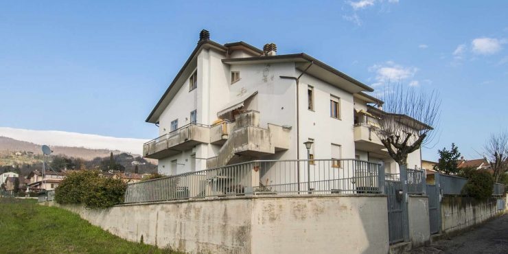 Sansepolcro Tuscany – Apartment with garden and garage