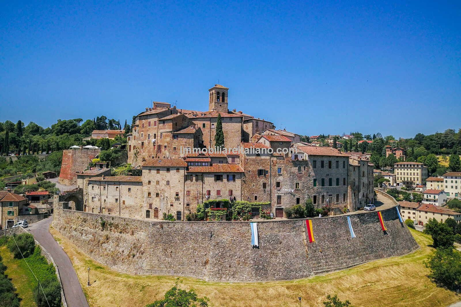 Historical Tuscan property