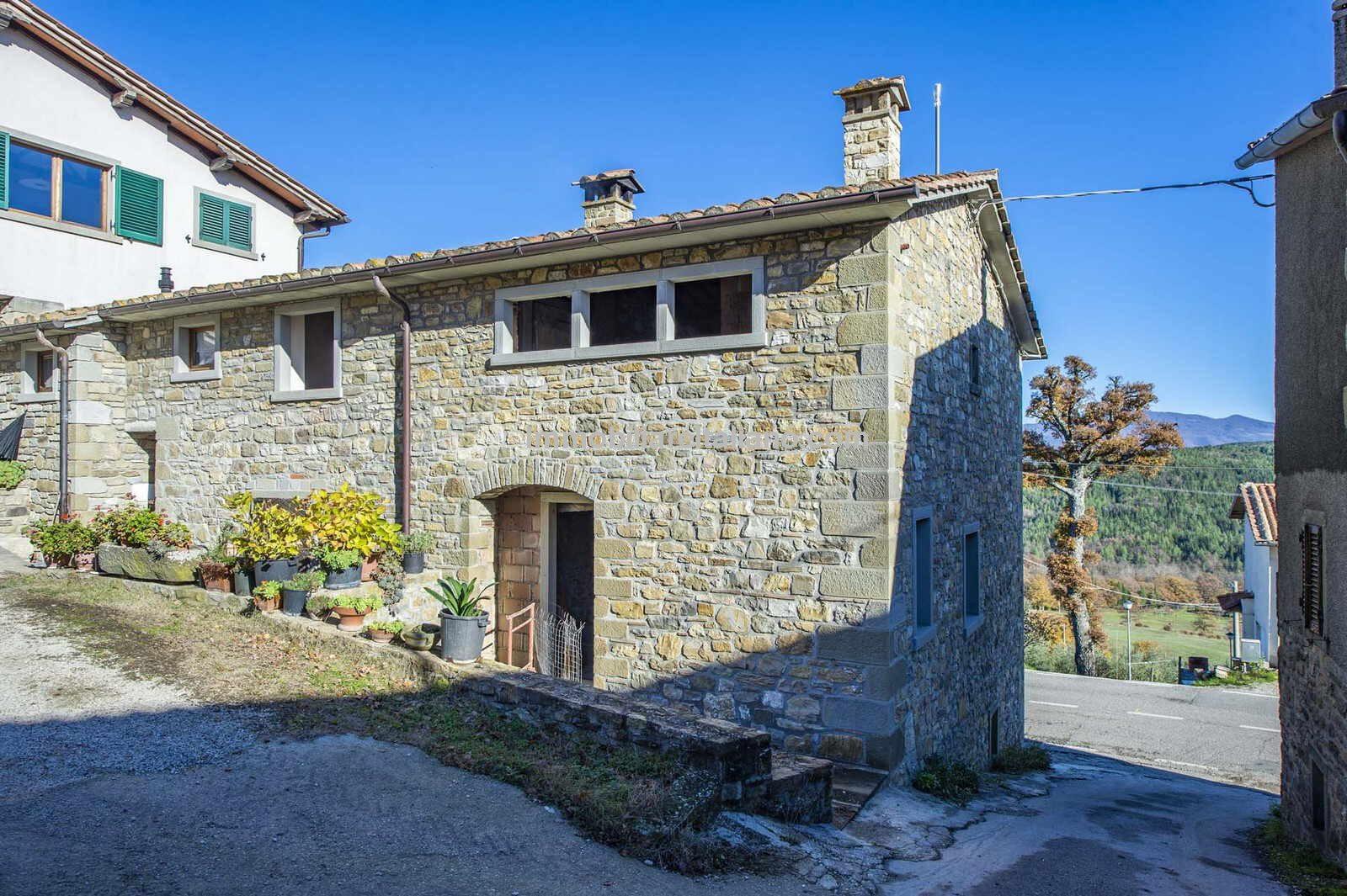 Renovation property in Tuscany