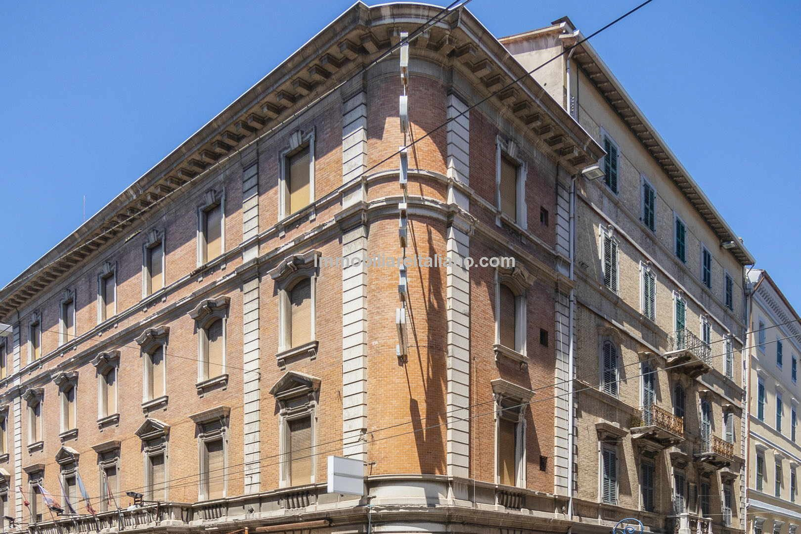 Hotel in Italy for sale