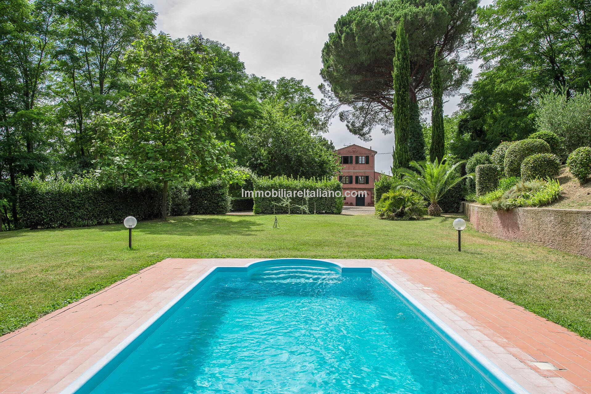 Tuscany villa property with private pool for sale