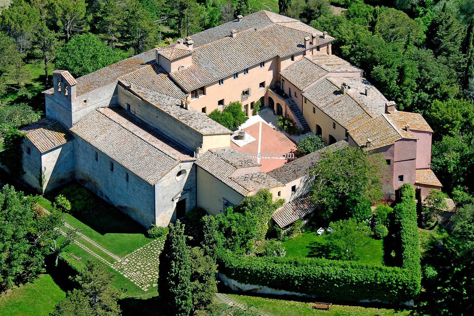 Tuscany real estate