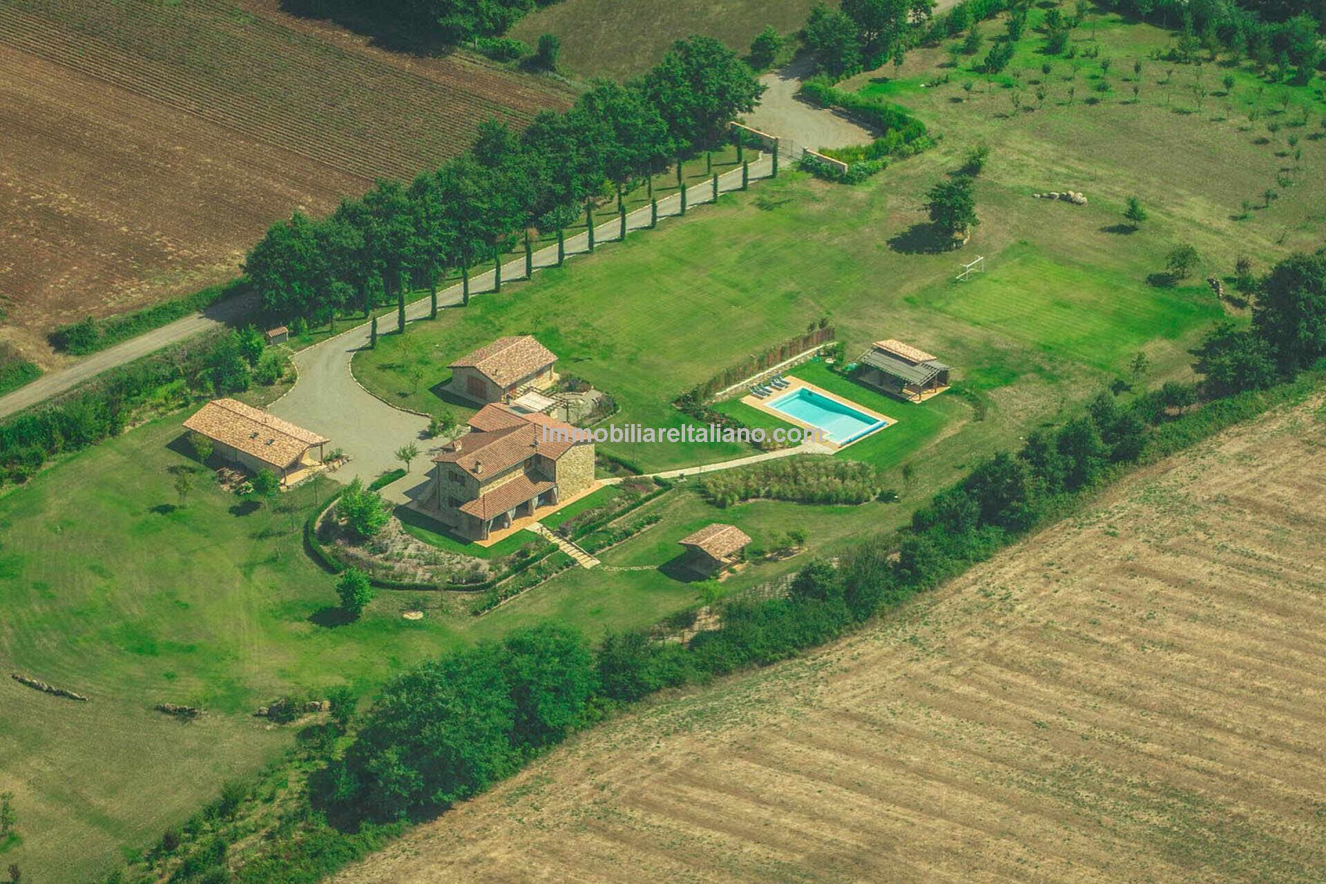 Recently built farmhouse in Umbria