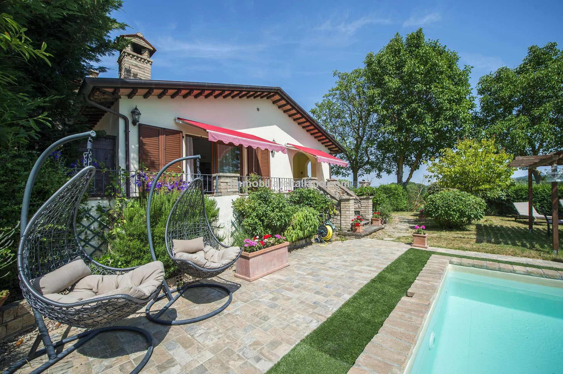 Nice Umbria villa for sale
