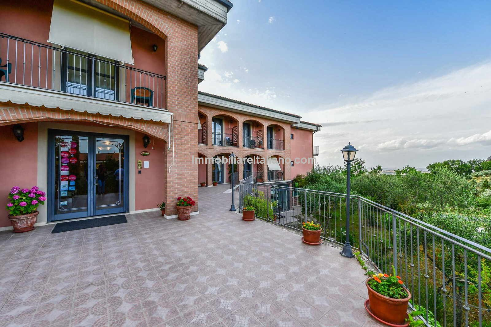 Hotel in Tuscany for sale