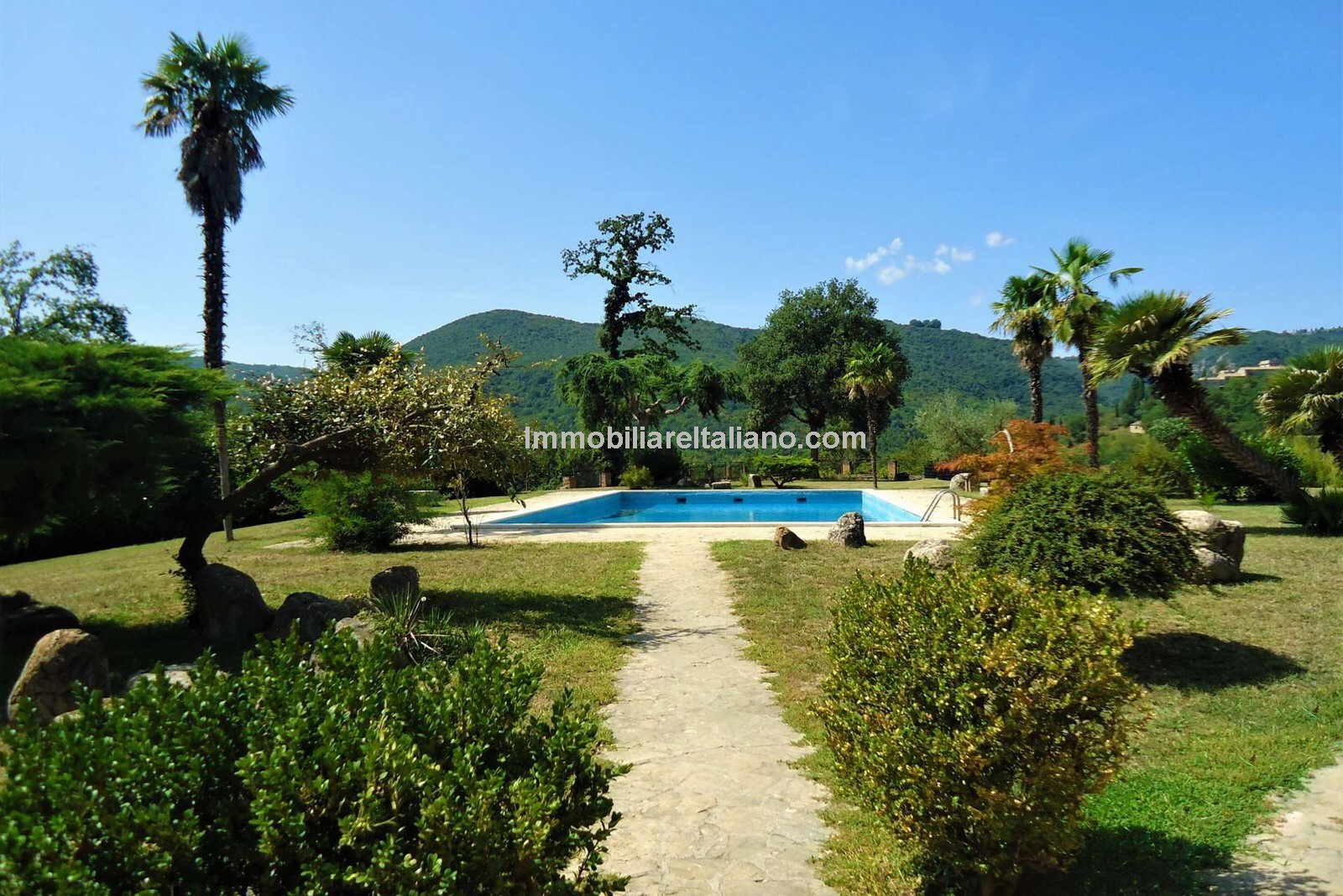 Umbria Estate for sale