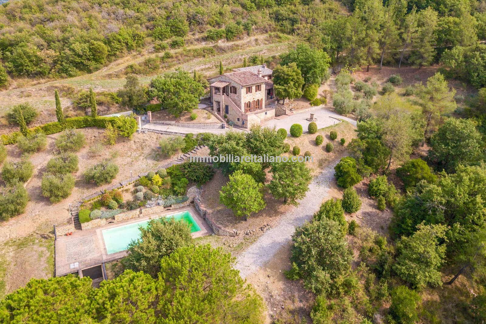 Home for sale near the Tuscan Umbria border