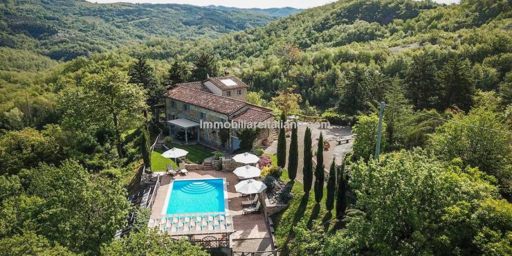 Umbria farmhouse property