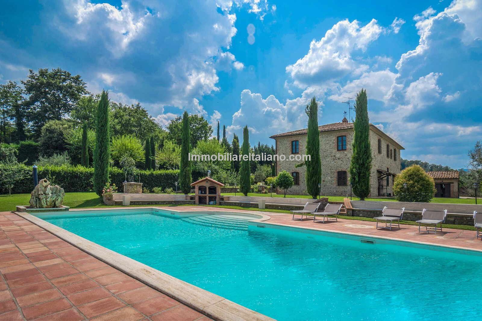 Umbria real estate pool view