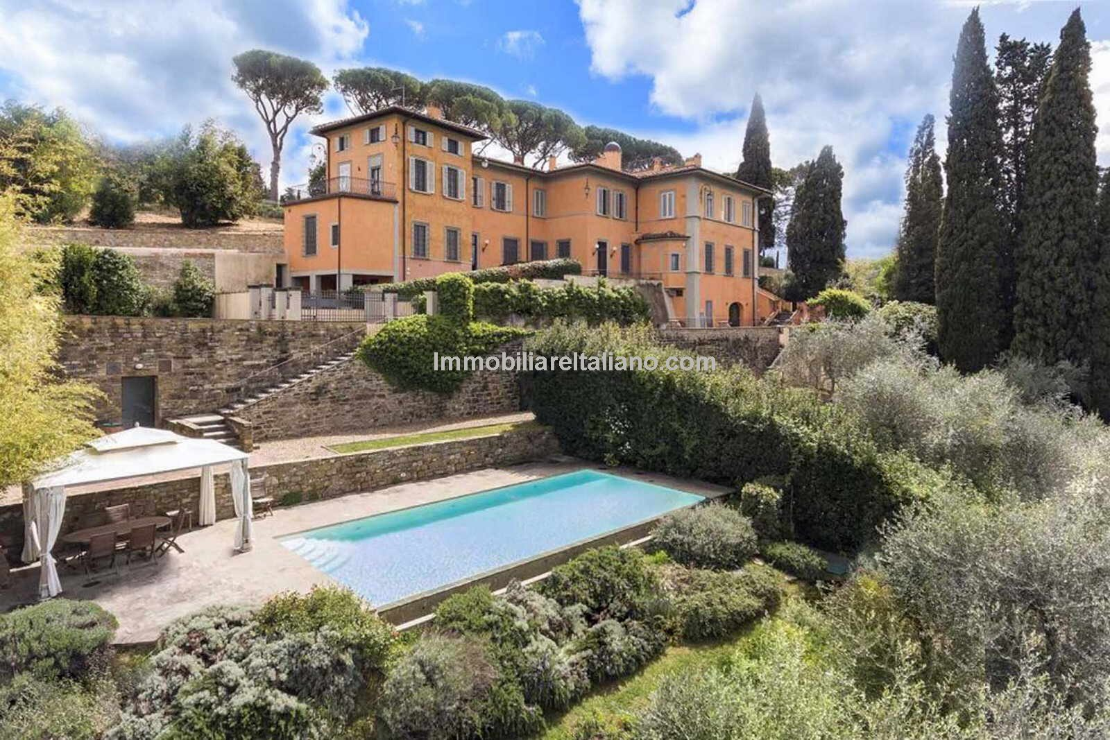 Florence villa and pool