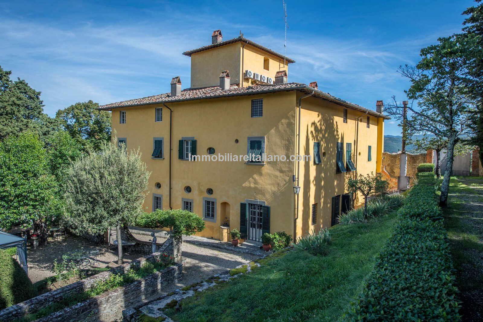 Arezzo views