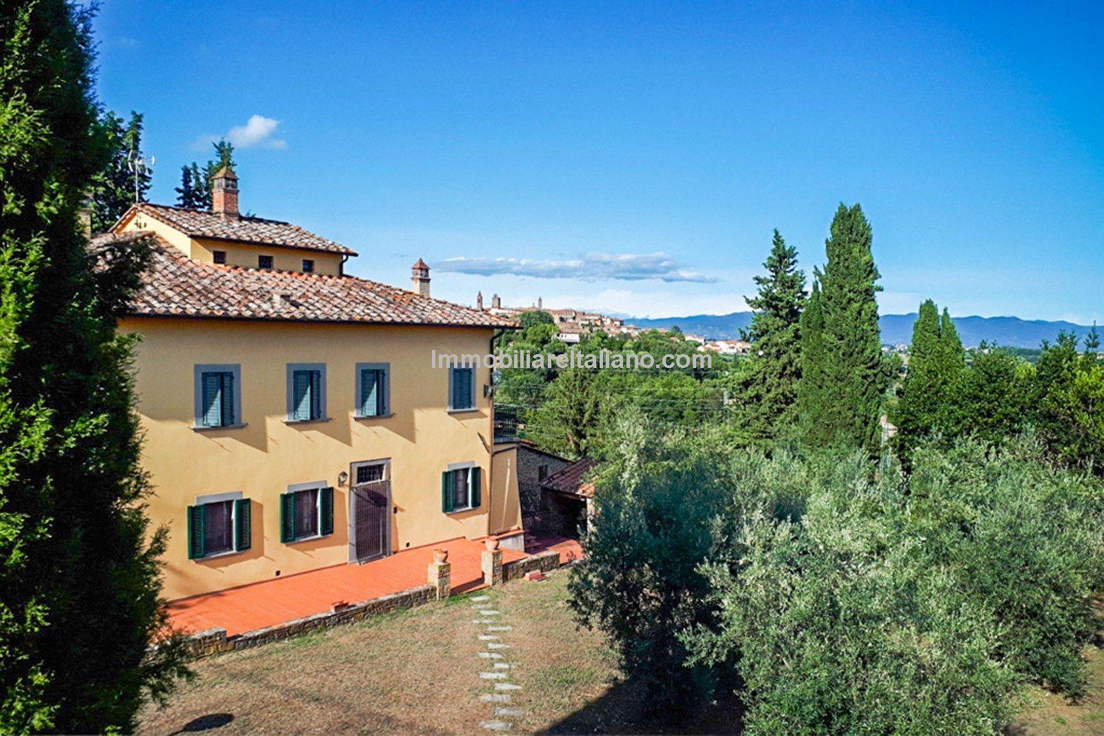 Restored 19th Century Tuscan villa with annexes and garden