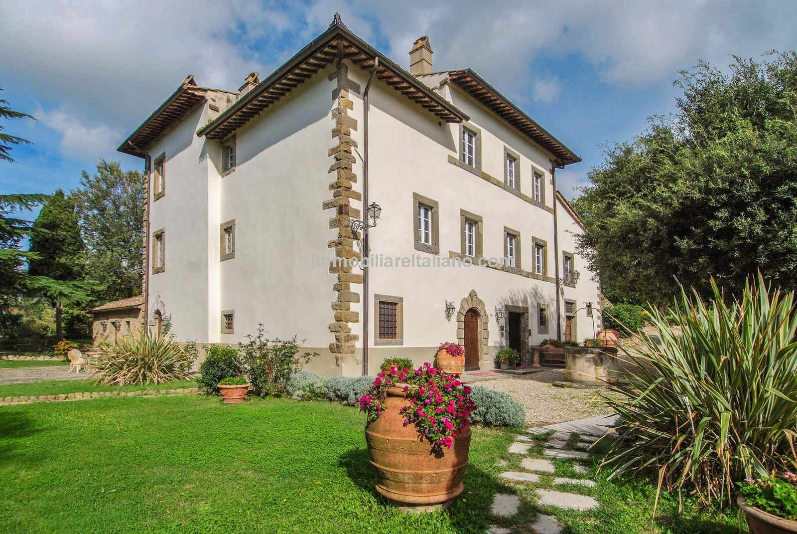 External view of Hotel in Tuscany Italy for sale