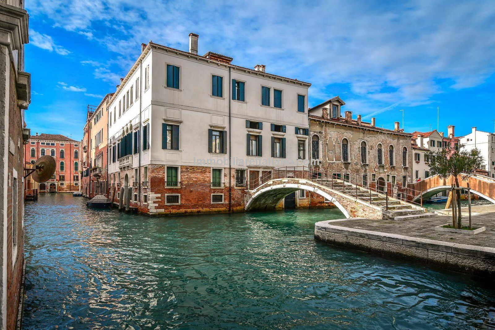 External view of Venice canal city centre apartment