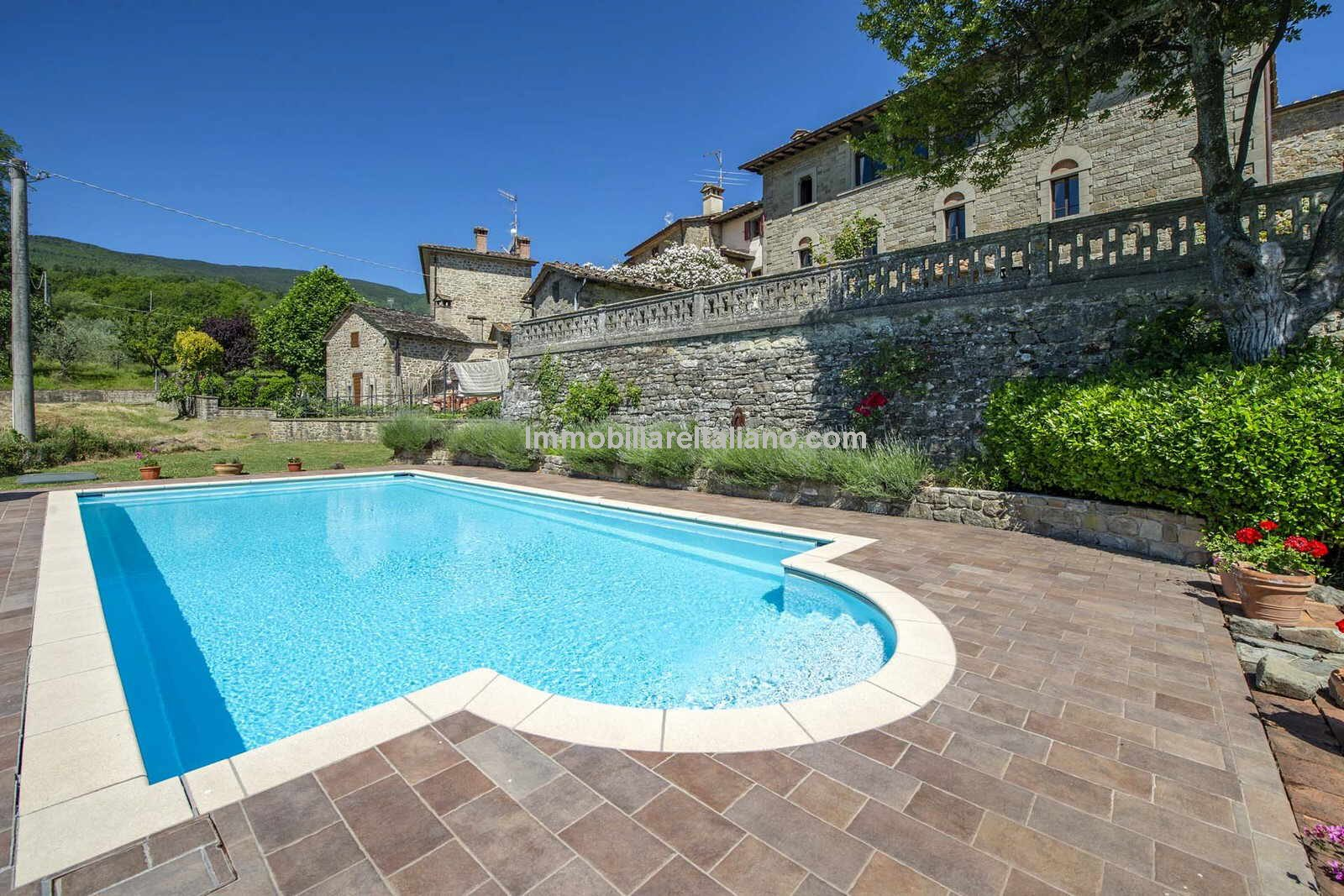 External view of Italian mansion in Tuscany
