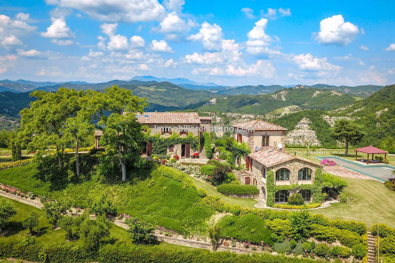 Farmhouses for sale in Umbria