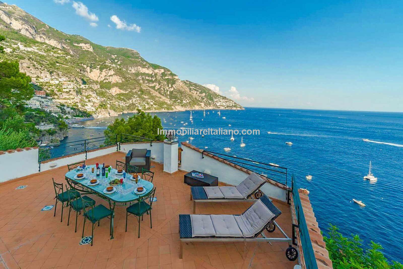 Beachfront villa property