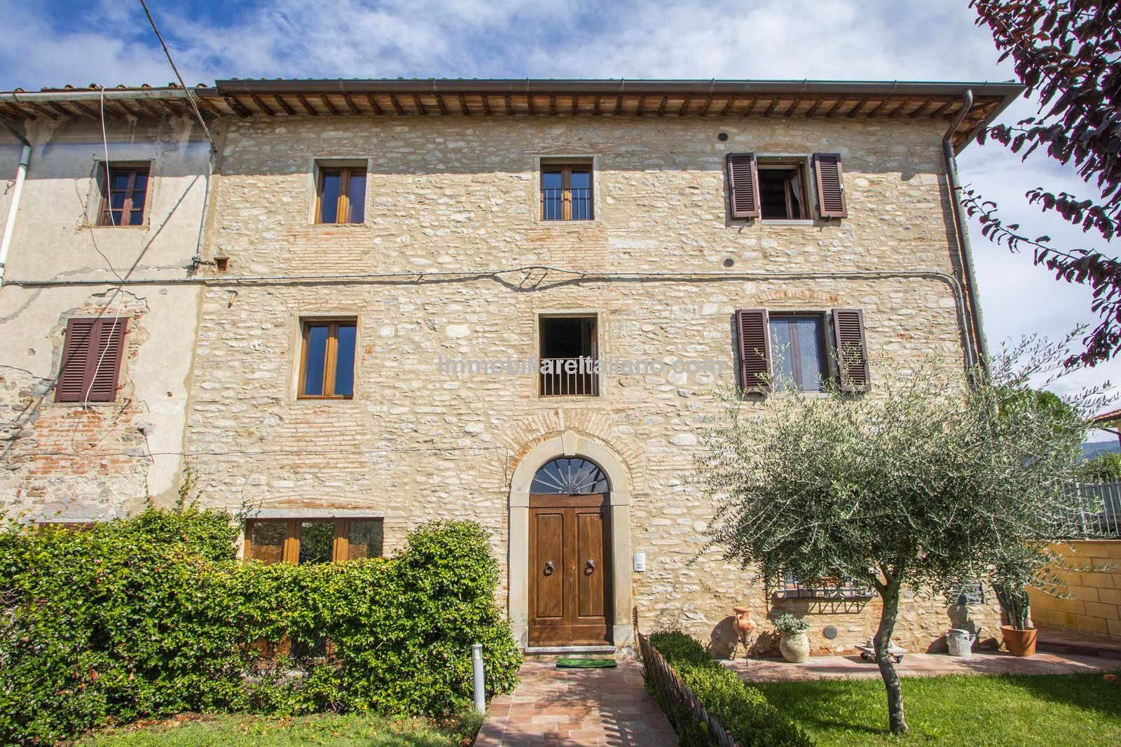 Guest house for sale in Tuscany