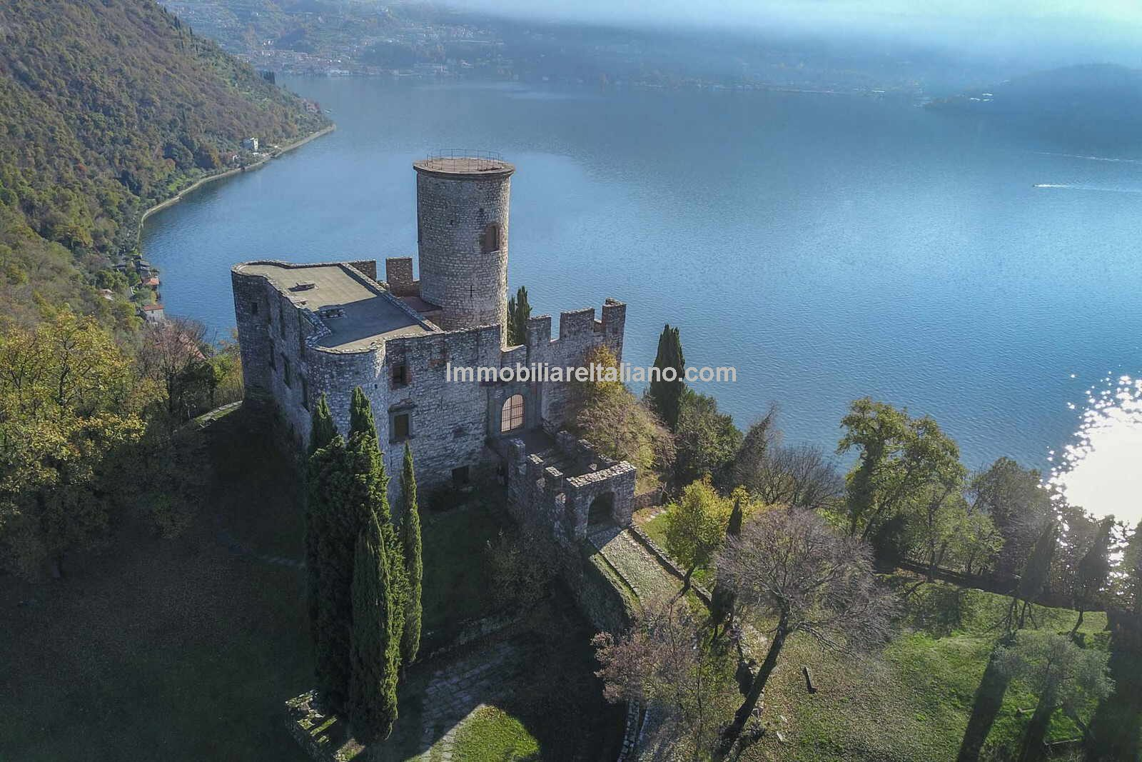 Romantic Island castle in Italy with lake views