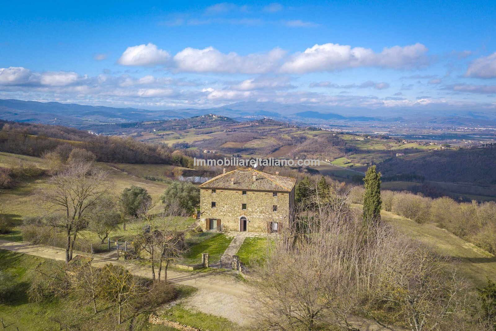 Horse property in Italy